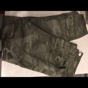 Loft Camouflage Jeans
